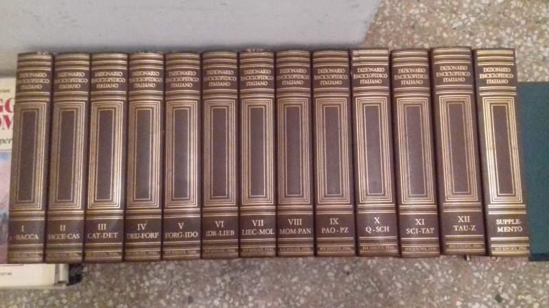 Vendo Enciclopedia Treccani in buono stato - 13 volumi