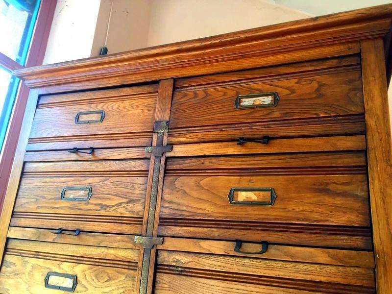 Mobili ufficio primi anni '900 vendo.